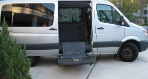 2007 Dodge Sprinter with Braun UVL Series Commercial Lifts