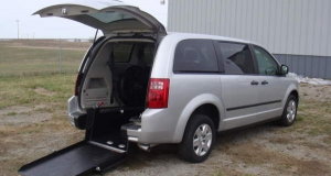 2008 Dodge Caravan with rear entry ramp