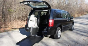 2008 Dodge Caravan Rear Entry Wheelchair Van